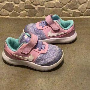 Like NEW Toddler Girls Nike Shoes